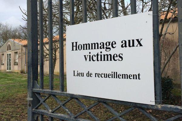 Une chapelle ardente a été dressée au gymnase de la Vieille-Forme à Rochefort.