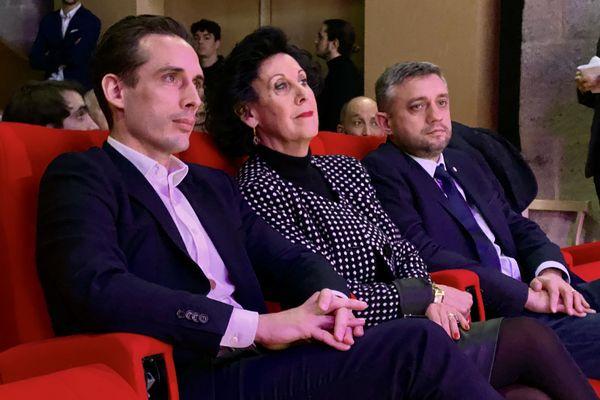 Monique Boulestin (MRC) compte sur le soutien du secrétaire d'Etat, Jean-Baptiste Djebarri, pour attirer les électeurs d'Emmanuel Macron.