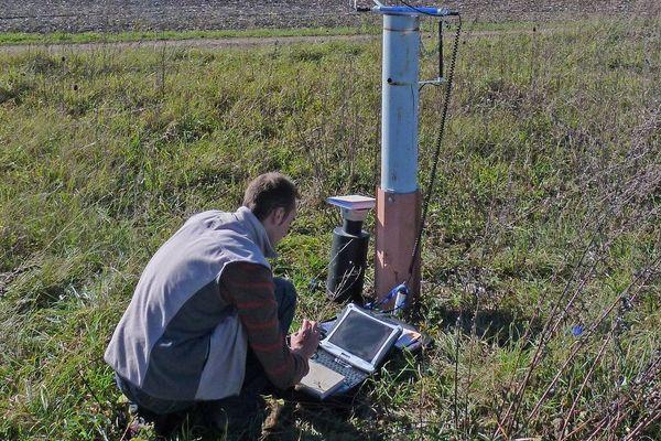 En Auvergne, le BRGM effectue des mesures sur la quantité d'eau dans les nappes phréatiques, dont le niveau est préoccupant depuis 3 ans.