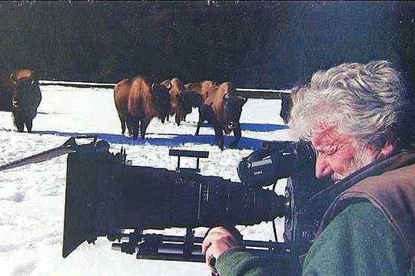Laurent Charbonnier est l'un des neuf chefs opérateurs du film documentaire Les Saisons
