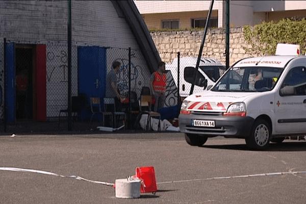 Pendant près d'une semaine, une trentaine de personnes ont été prises en charge par la Croix-rouge dans ce gymnase de Caen