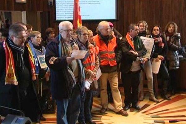 Une délégation d'acteurs de l'aide à domicile a été autorisée à lire une lettre lors de la session du Conseil Général du Calvados