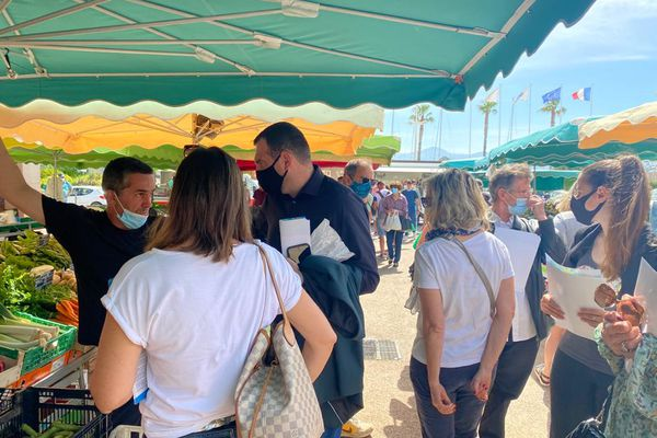 Jean-Charles Orsucci est allé à la rencontre des commerçants du marché central d'Ajaccio, le 29 mai.