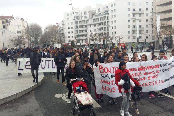 Départ de la manifestation de la place Charles Hernu