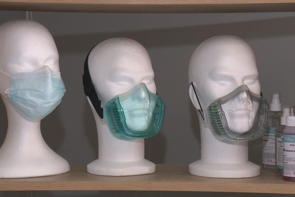 Dernier né de la Société Neeobreath de Quessoy (22) : le masque Cristal, transparent, filtrant et réutilisable.