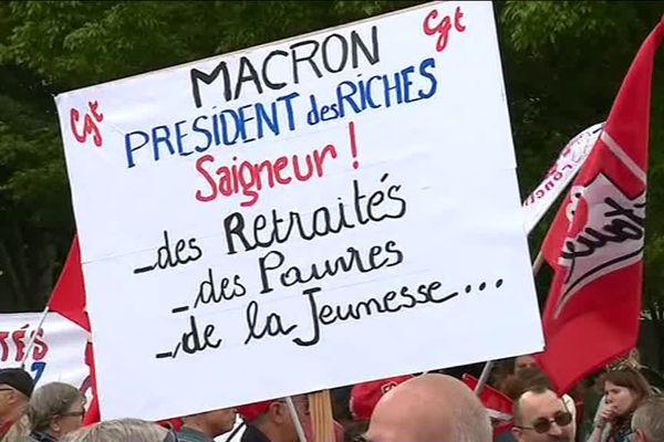 Comme dans toute la France , les retraités étaient appelés à manifester à Rochefort en marge de la visite présidentielle.