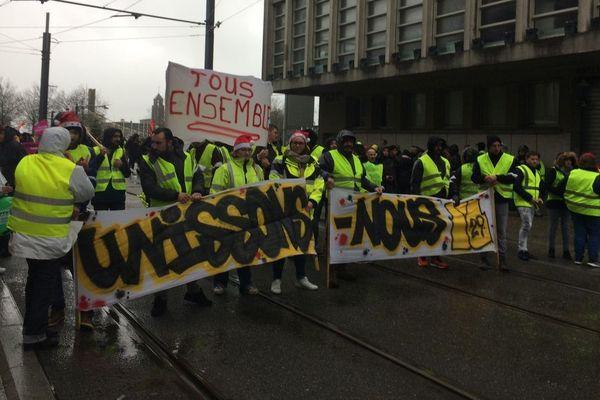 Une partie des Gilets jaunes à Brest défile avec les syndicats ce samedi