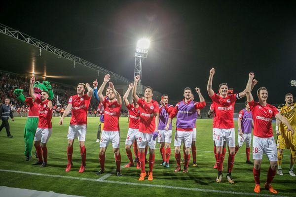 Nîmes - les Crocos victorieux de Lorient 1 à 0 grâce à un but des Merlus - 24 avril 2018.