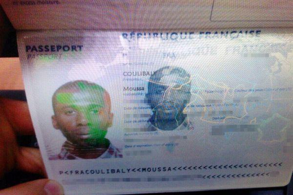 Les papiers d'identité de Moussa Coulibaly en 2015.
