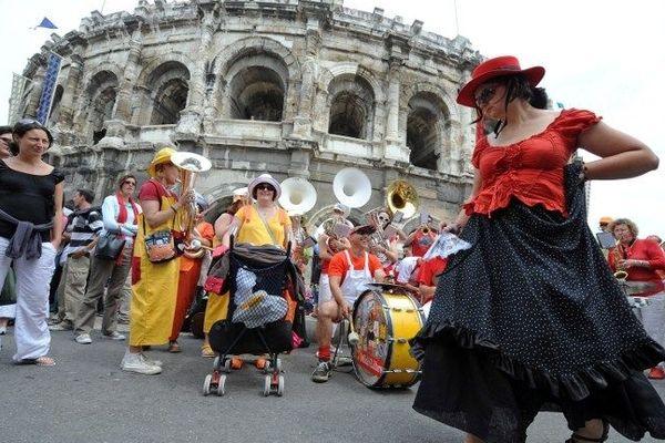 Spectacle devant les arènes de Nîmes en 2010