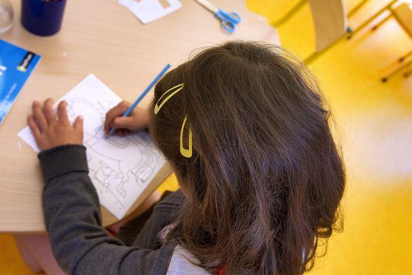 Ecole après le déconfinement : les parents doivent rassurer leurs enfants et les préparer à respecter les gestes barrières.