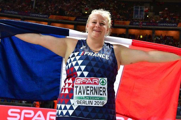 La Bretonne d'adoption Alexandra Tavernier, savoure sa médaille d'argent au lancer de marteau des championnats d'Europe 2018 à Berlin.