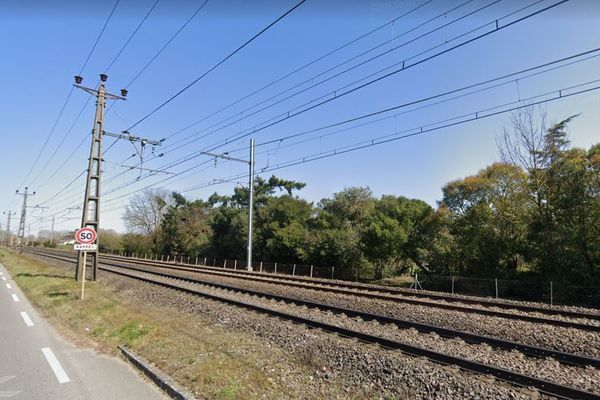 L'accident s'est produit à Carbonne sur la route qui longe la voie ferrée