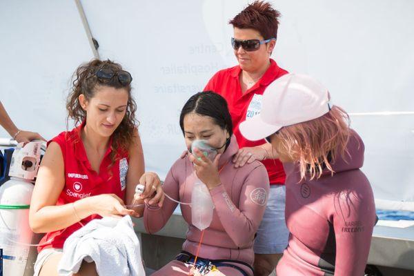 Une équipe médicale du CHU de Nice est sur place pour prendre en charge les athlètes.