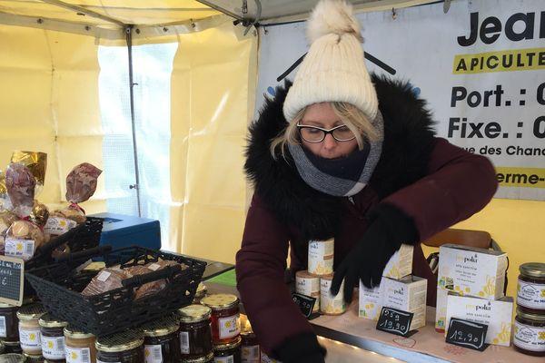 Les miels produits par Claudia et son mari : sapin, forêt, châtaigniers, tilleul, acacia et fleurs