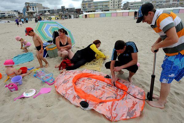 Chaque été, le Secours populaire emmène des enfants à la mer.