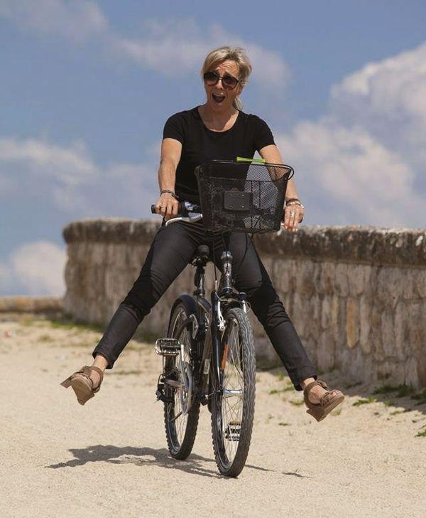 Sylvie Denis sur son vélo