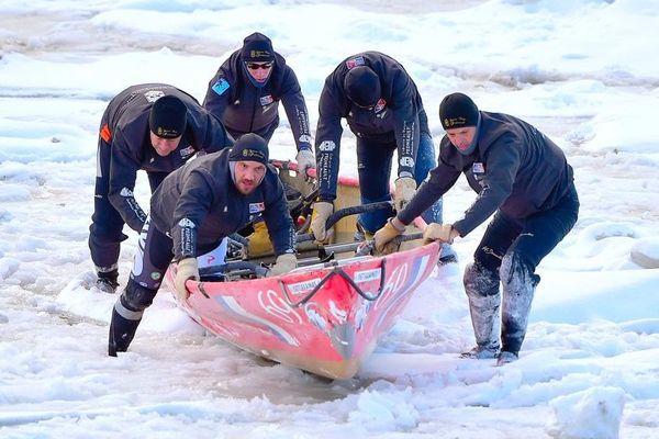 Dans l'équipage victorieux, un Bourguignon, Didier Voindrot, un Sétois Eric Bonijoly, un Montpelliérain Thomas Campion, un Agathois Thierry Barthès et un Nantais Gaël Le Du.