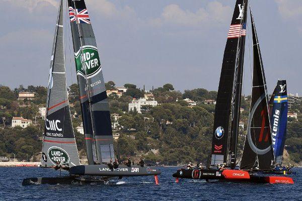 Les équipes américaines et britanniques, à Toulon, le 10 septembre 2016
