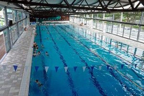 La piscine olympique de la commune d'Hagetmau dans les Landes