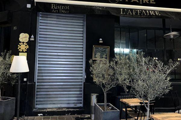 À Reims, le rideau de fer de l'Affaire, un restaurant du centre ville est tombé à minuit.