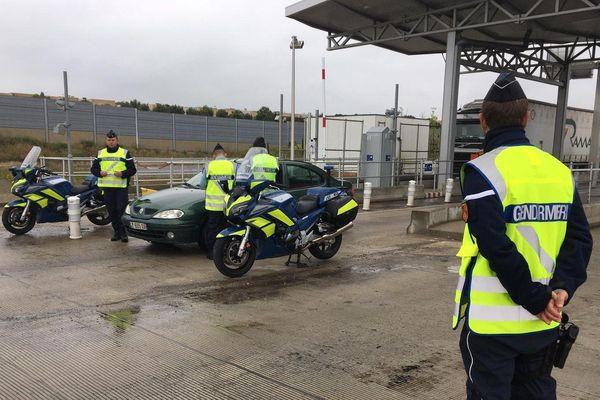 Montpellier - Aux entrées et sorties de la ville, les gendarmes procèdent à des contrôles - 19.04.20