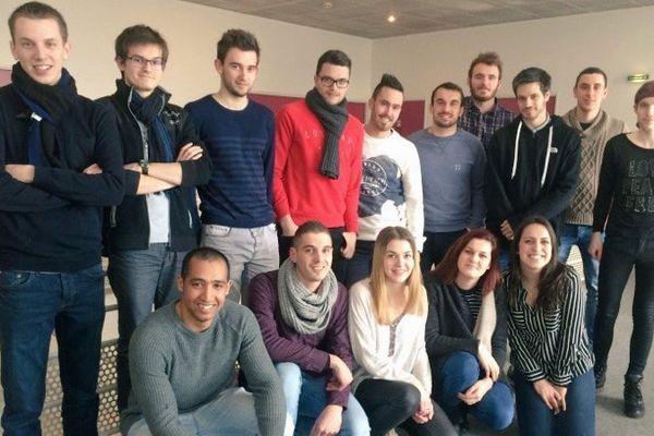 """La team """"dataskippers"""" au complet avec Valentin Gaborieau de France 3 Pays de la Loire, en porteur de projet (ici à gauche)"""