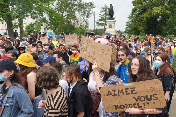 La première Pride rémoise depuis 2007 a eu lieu le 14 juin 2021. Elle avait réuni 500 personnes.