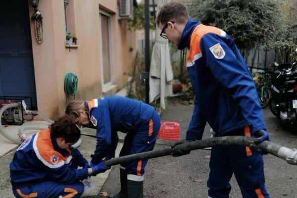 Les bénévoles de la Protection Civile 06 en action pendant les inondations de novembre 2019.