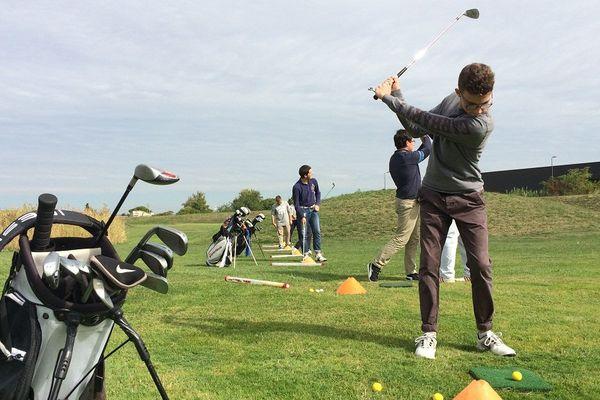 Thomas Fergines est l'un des golfeurs du lycée albigeois Fonlabour qui a permis à son équipe de remporter le challenge national de golf des lycées agricoles