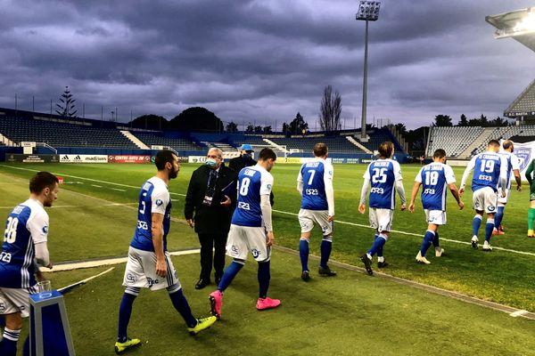 En déplacement à Laval, les joueurs du SCB se sont imposés grâce à un but de Sébastien Salles-Lamonge.