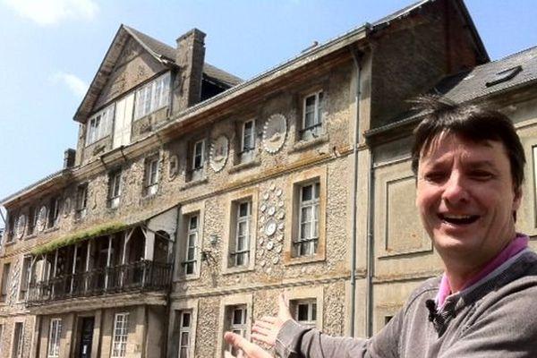 Denis Gancel se mobilise contre la dispersion du patrimoine de l'Hostellerie des Vieux Plats
