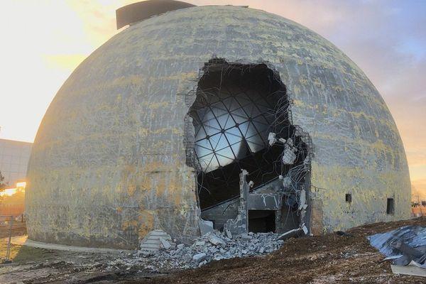 Les travaux de destruction du Solido au Futuroscope ont commencé.