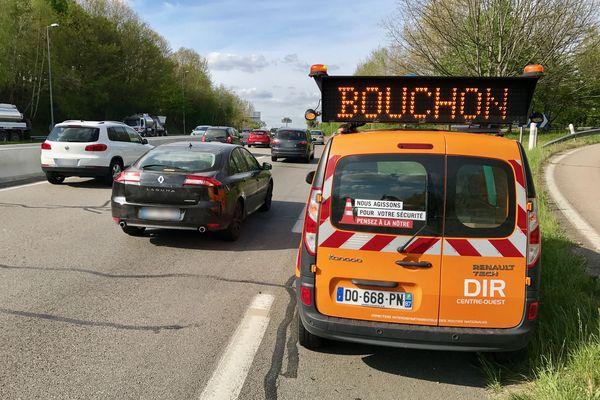 Pour éviter la formation de bouchons dans la traversée de Limoges durant l'été, les bretelles d'accès à l'autoroute d'Ester et de la Bastide seront fermées les vendredis et samedis dans la journée.