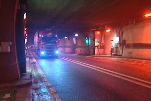 Image d'illustration - Un camion dans le tunnel du Fréjus