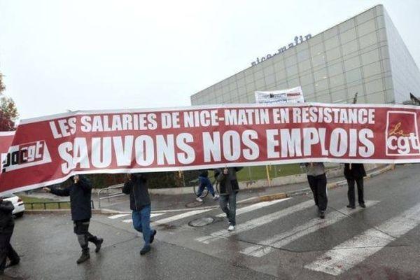 Archives - Manifestation des salariés de Nice-Matin en décembre 2013 devant le siège du groupe