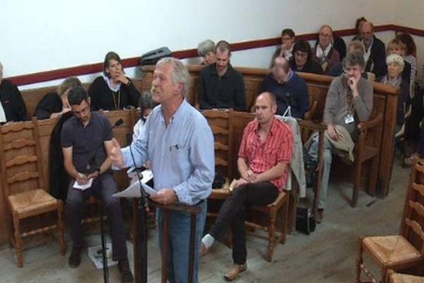 José Bové au tribunal de Florac, en Lozère, pour le procès du loup - 12 septembre 2015