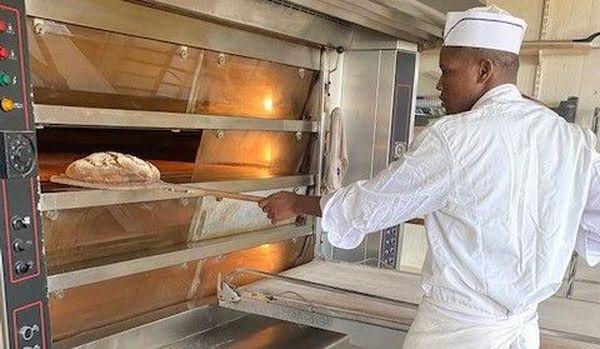 Sidibe Demba, apprenti boulanger à Servières-le-Château en Corrèze