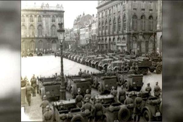 Les troupes allemandes place Stanislas, à Nancy.