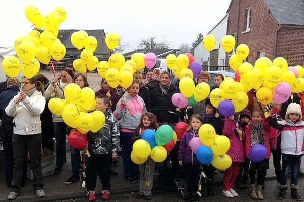 Une trentaine d'enfants à Campneuseville a fait un lâcher de ballons.