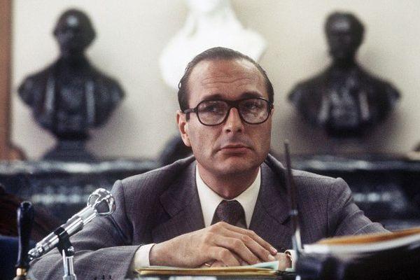 Le Premier Ministre Jacques Chirac prononce un discours devant les jeunes gaullistes à Tulle, en Corrèze, le 05 juin 1976.