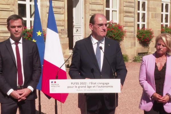Le Premier ministre Jean Castex était accompagné par le ministre de la Santé et la ministre déléguée en charge de l'Autonomie.