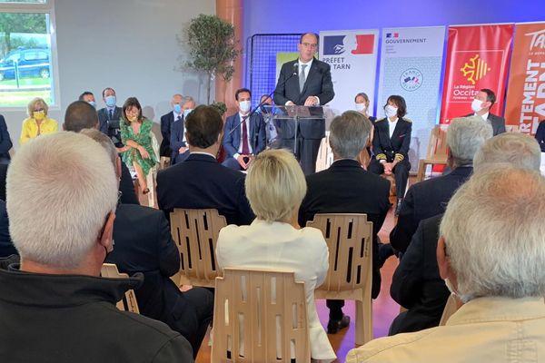 Le premier ministre Jean Castex à Lagarrigue dans le Tarn ce samedi 25 septembre. C'est la société NGE qui sera chargée de construire et gérer l'autoroute A69, entre Toulouse et Castres.