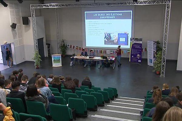 Une consultation citoyenne sur l'Europe était organisée ce lundi 15 octobre au lycée Marguerite de Navarre à Alençon