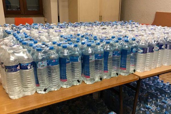 La mairie de Laffrey avait distribué des bouteilles d'eau lors de la pollution aux hydrocarbures