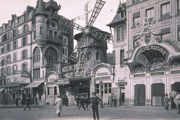 La façade du Moulin Rouge en 1900.