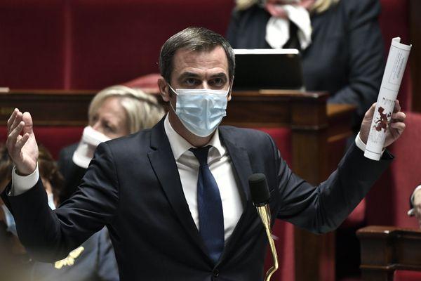 """""""Cette décision me scandalise"""" a tweeté le ministre de la Santé Olivier Véran"""