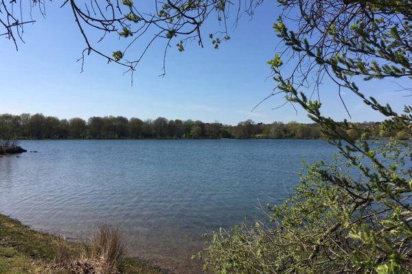 Plan d'eau de la Gémerie. 15 hectares de Grand Bleu (Arnage)
