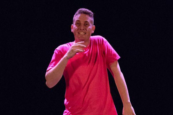 Yoann est chorégraphe et professeur de danse à Cosne-sur-Loire