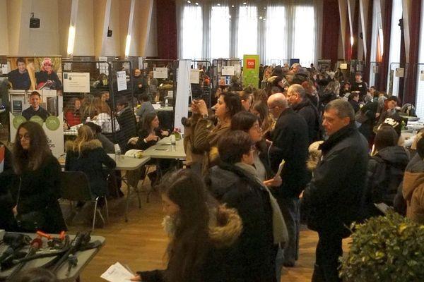 Tous les ans, FETE organise des Carrefours des Carrières au Féminin dans les quatre départements de Bourgogne.
